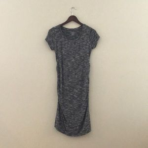 Short sleeve knit Liz Lange Maternity dress